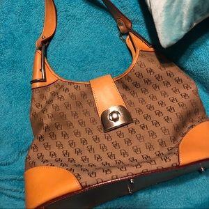 Authentic Dooney & Bourke Large shoulder bag